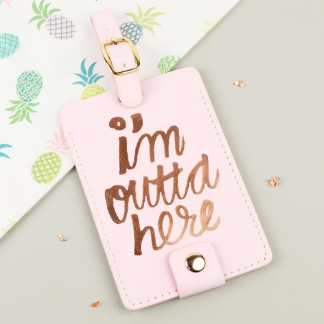 bando-im-outta-here-luggage-tag-O21A0829-472x472