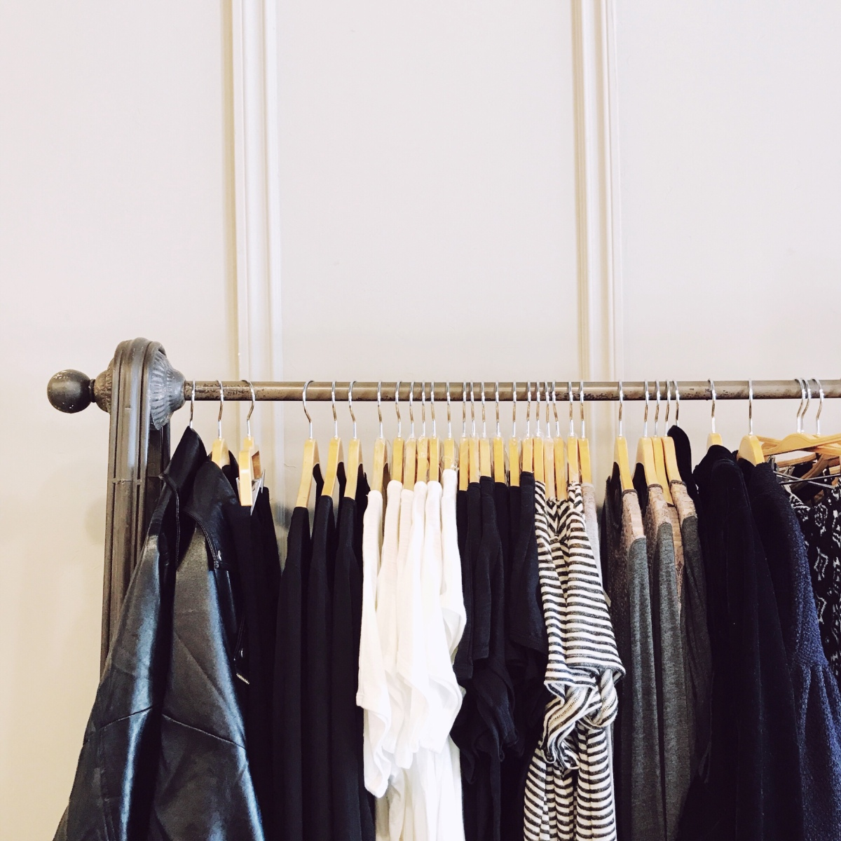 Seeking Simplicity, Part I: Creating a minimalist closet